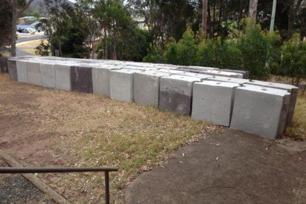 More retaining blocks